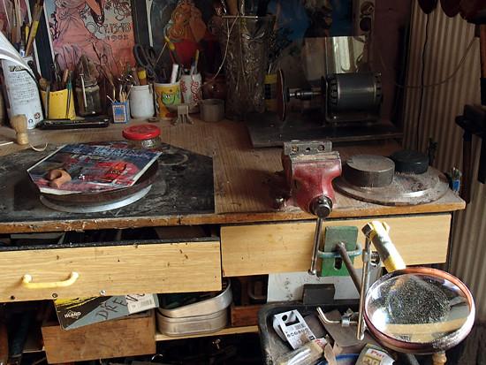 I lupa je potřeba na práci se dřevem :)