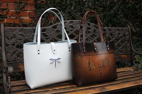 Stejné kabelky, ale v různém provedení! Fantazii se meze nekladou!