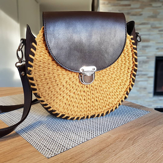 kabelka s kombinací koženky