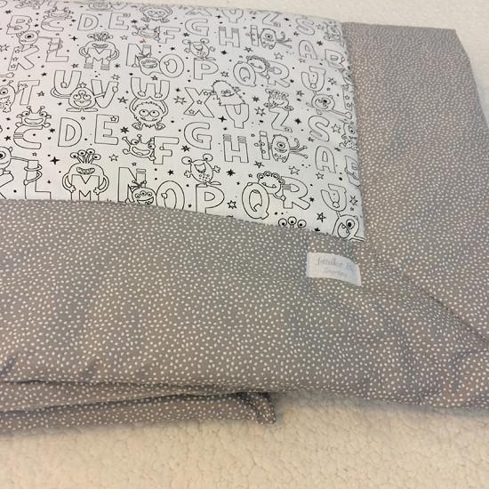 deka šedobílá