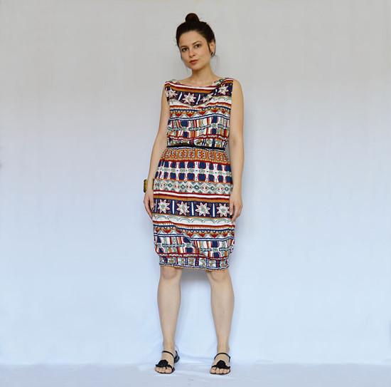 indiánske šaty s délkou po kolena