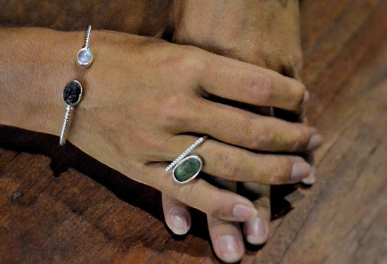 náramek a prsten s vltavínem