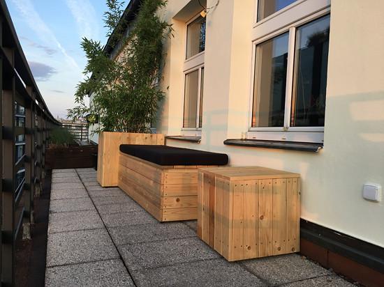 Polstry na dřevěné sedačky