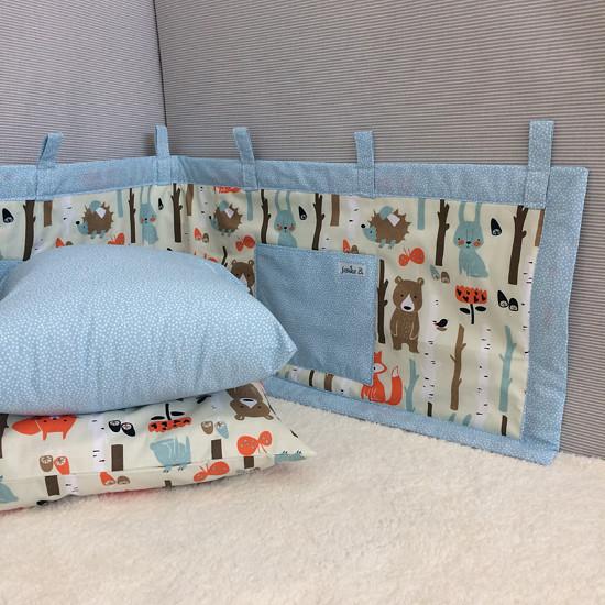 Dětský kapsář za postel